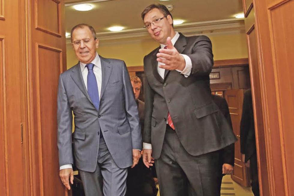 Fotografija Lavrova i Vučića